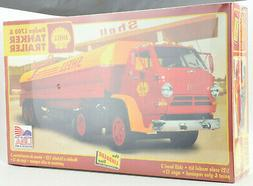 Lindberg Dodge L700 Tractor W/ Shell Tanker Trailer 1:25 Mod