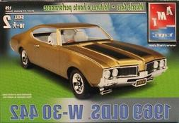 AMT ERTL 1:25 1969 Olds W-30 442 Muscle Cars Plastic Model K
