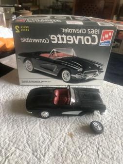 AMT/ERTL 1:25 Scale 1962 Chevrolet Corvette Convertible Mode