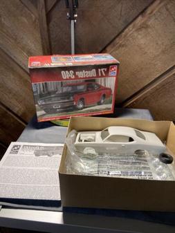 AMT ERTL '71 Plymouth Duster 340 Model Car Kit  Sealed Insid
