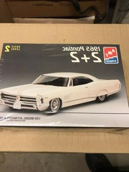 Amt Ertl Model Kit 1965 Pontiac 2+2 Sealed Kit