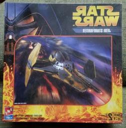 AMT ERTL Star Wars Jedi Starfighter Plastic Model Kit 38314