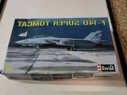 Revell F-14D SUPER TOMCAT 1/48 Scale Plastic Model Airplane