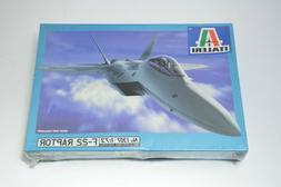 Italeri F-22 Lockheed Raptor 1:72 Plastic Airplane Jet Model