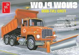 AMT Ford LNT-8000 Snow Plow Dump Truck 1:25 scale model truc