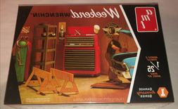 AMT Garage Accessory Set #1 Weekend Wrenchin' 1:25 scale mod