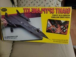 Testors Giant USAF Blackbird SR-71 Spyplane Plastic Model Ki
