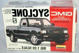 GMC Syclone Model Kit Pickup Truck Lindberg Big1/20 Scale, G