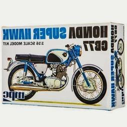 Honda Super Hawk Motorcycle 1/16 MPC Models 898 Plastic Mode
