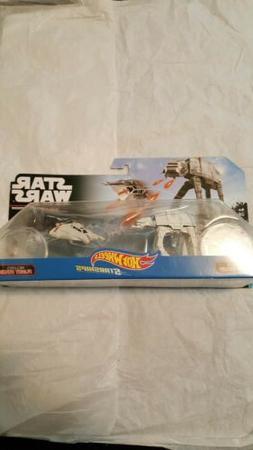 Hot Wheels Star Wars Starship 2-Pack AT-AT Vs Snow Speeder