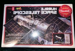 Skilcraft Hubble Space Telescope plastic model kit - factory