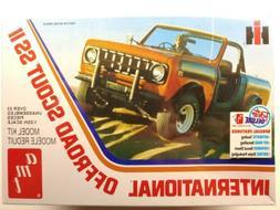 AMT International Scout II 1/25 scale model car truck kit ne