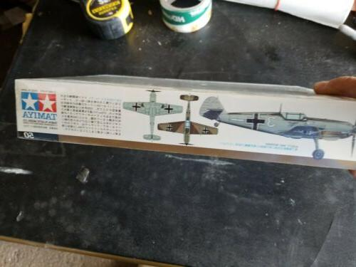 1/48 airplane model