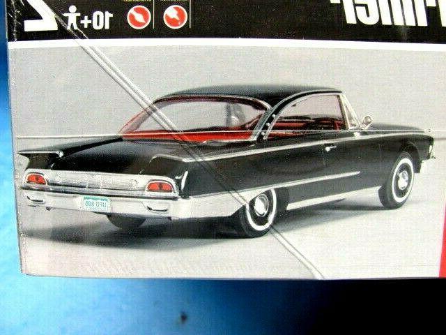 1960 Door Hardtop AMT ERTL 1:25 Model Kit30044 Sealed