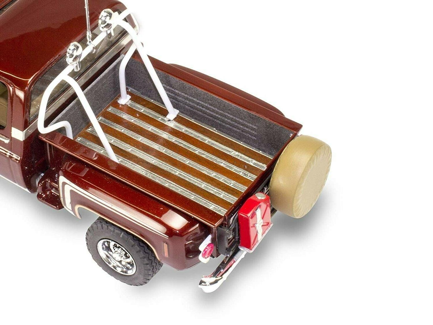 Revell Chevy Stepside Pickup 4x4 1:24 scale model kit new 4486