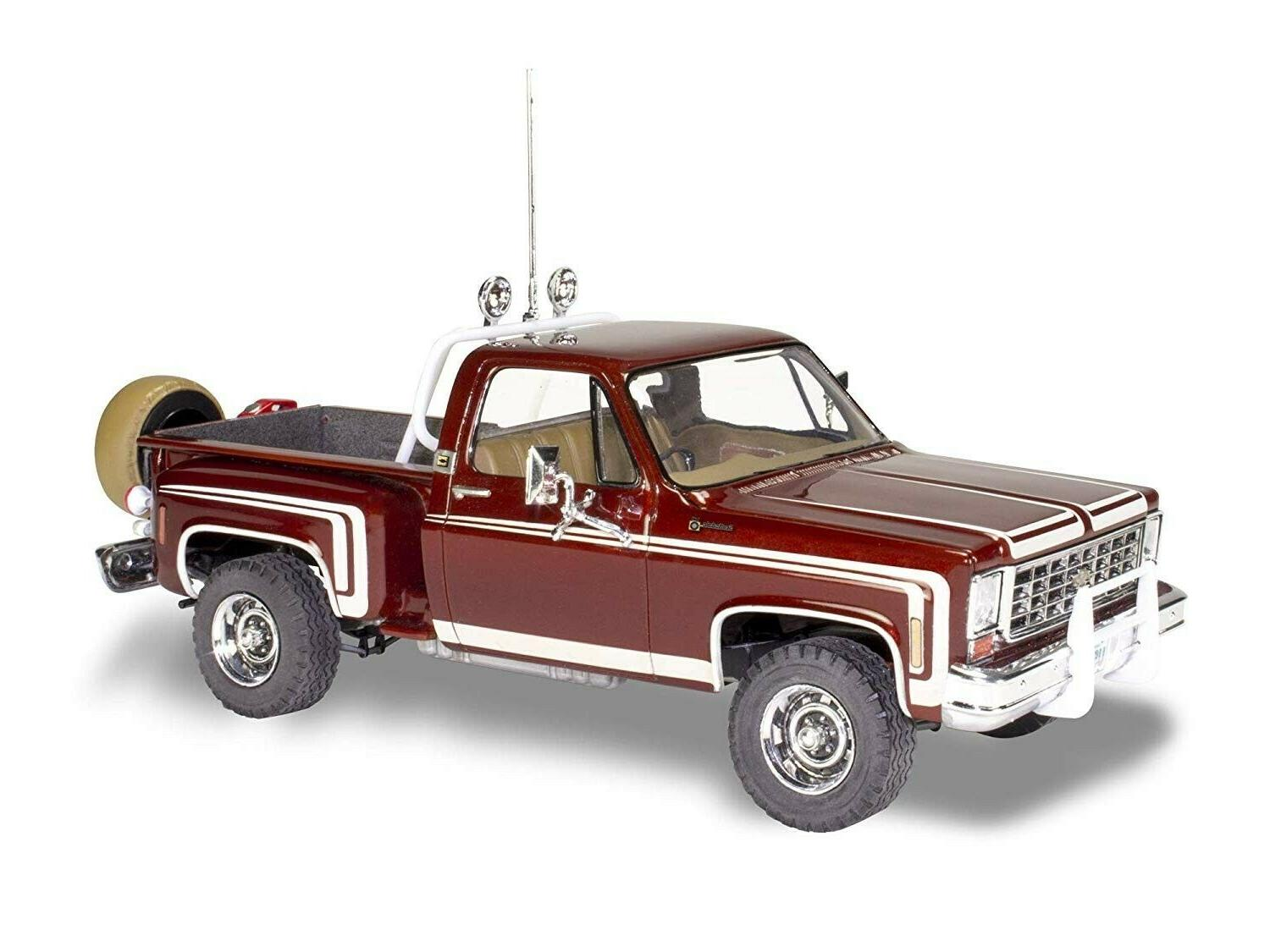 Revell 1976 Chevy Stepside Pickup scale model
