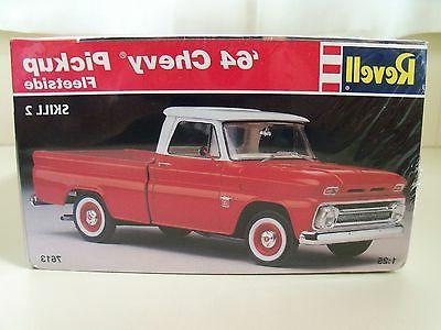 REVELL '64 CHEVY FLEETSIDE PICKUP TRUCK MODEL