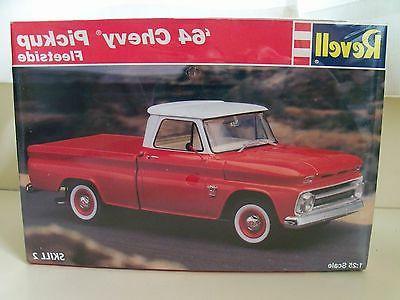 REVELL - '64 CHEVY FLEETSIDE PICKUP MODEL