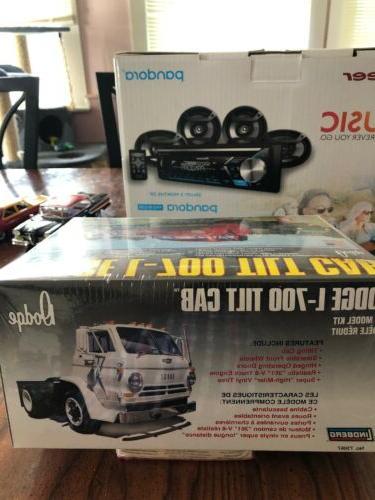 Lindberg L-700 Cab Truck Kit 1:25 Unbuilt #S1