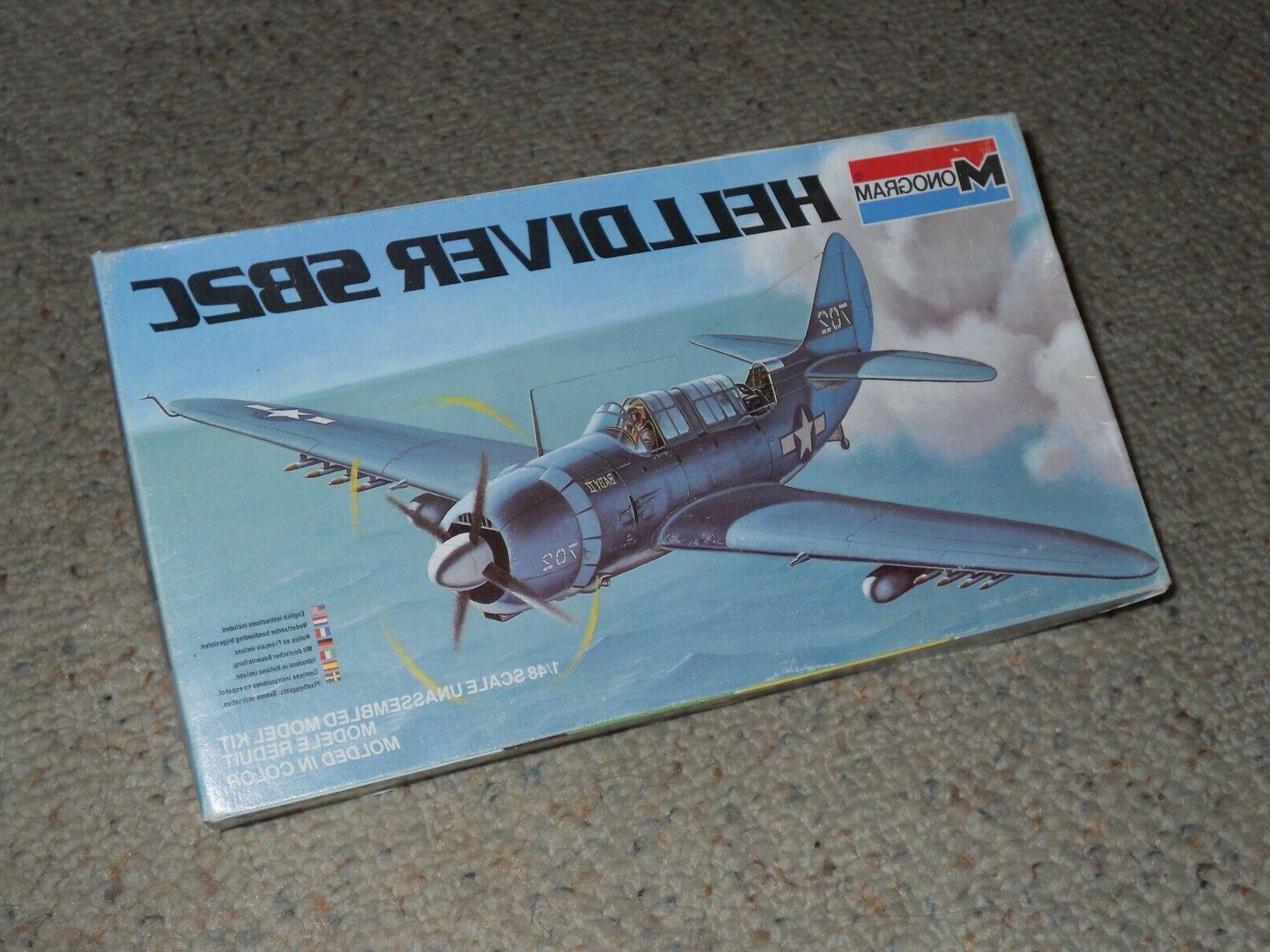 helldiver sb2c airplane 1 48 scale model