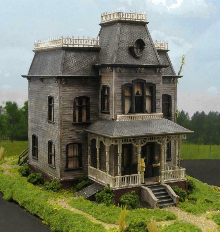 HO SCALE BATES MANSION~PSYCHO HAUNTED HOUSE~LIGHTED BUILT BU