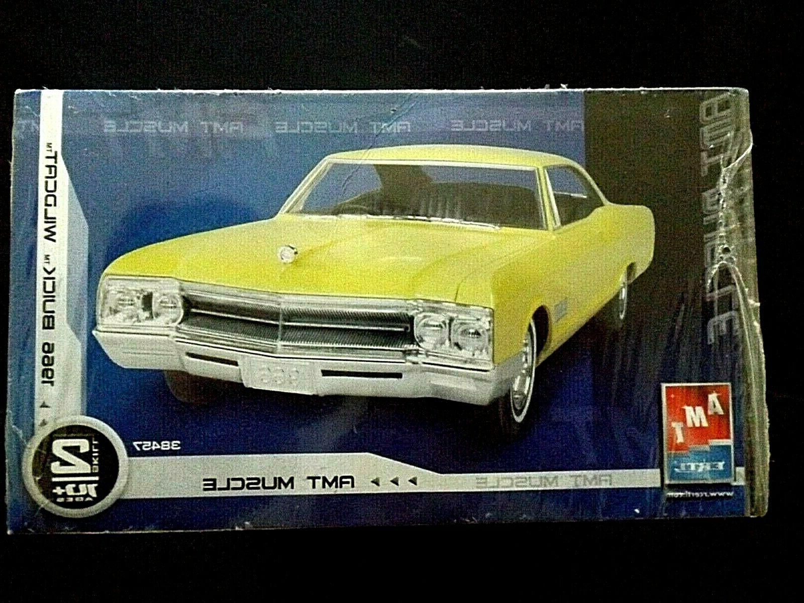 Model Kit 1966 Buick Wildcat