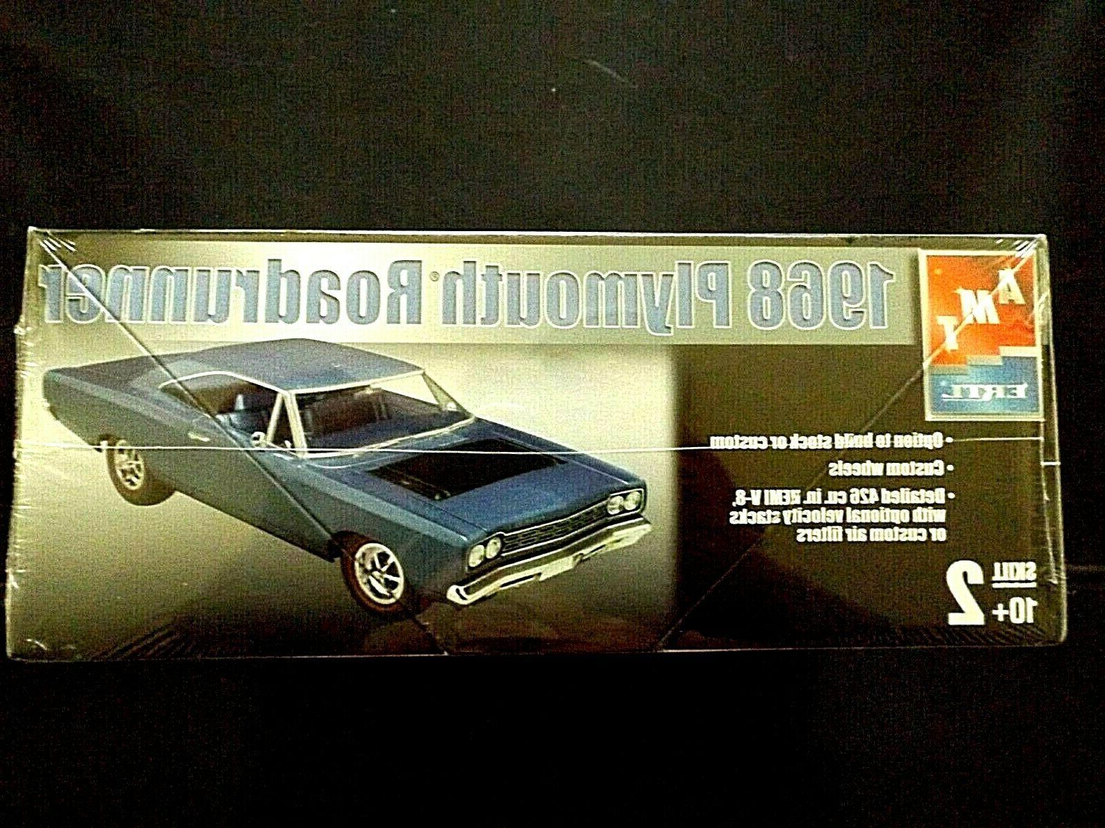 Model Kit 1968 Roadrunner 2n1 Kit AMT Muscle Cars
