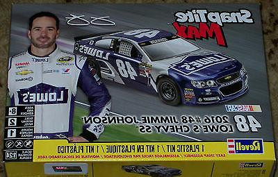 Revell Monogram NASCAR #48 Jimmie Johnson LOWE's Chevy SS st