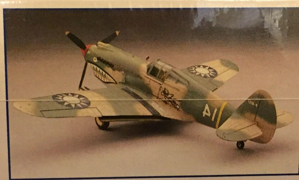 P-40B Tiger 1/48 Kit #