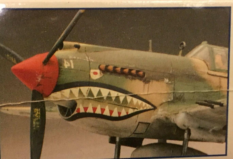 P-40B Tiger Revell 1/48 Scale Kit 85-5209