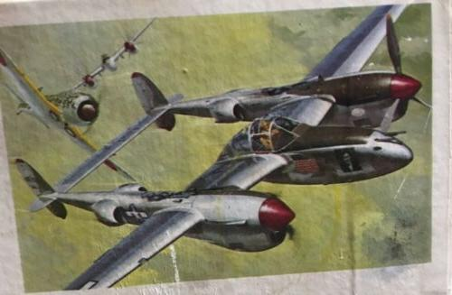 VINTAGE 1970 P-38J LIGHTNING AIRPLANE 1/32