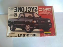 Lindberg GMC SYCLONE Model Car Truck Kit