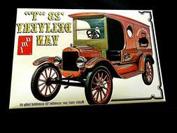 """Model Kit 1923 Ford Model """"T"""" Delivery Van AMT 1:25"""