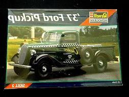 Model Kit 1937 Ford Pickup Truck Revell 1:25
