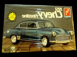 Model Kit 1951 Chevrolet Fleetline 2n1 Kit AMT 1:25