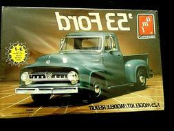 Model Kit 1953 Ford Pickup Truck 3n1 Kit AMT 1:25