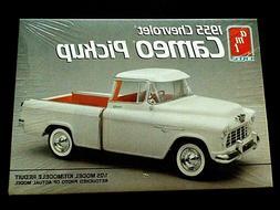 Model Kit 1955 Chevrolet Cameo Pickup Truck AMT 1:25