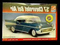 Model Kit 1957 Chevrolet Bel Air AMT 1:25 Large Box