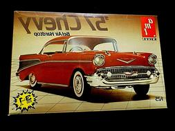 Model Kit 1957 Chevrolet Bel Air Hardtop 3n1 Kit AMT 1:25