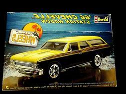 Model Kit 1966 Chevrolet Chevelle Station Wagon Revell Calif
