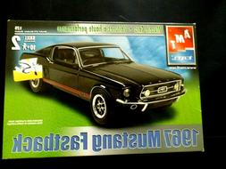Model Kit 1967 Ford Mustang GT Fastback AMT Muscle Cars 1:25