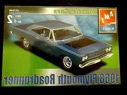 Model Kit 1968 Plymouth Roadrunner 2n1 Kit AMT Muscle Cars 1