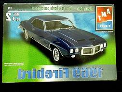 Model Kit 1969 Pontiac Firebird AMT Muscle Cars 1:25