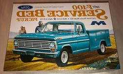 Moebius 1967 Ford Service Bed Pickup Truck 1:25 scale model