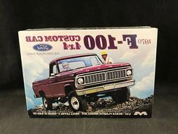 Moebius 1970 Ford F-100 Custom Cab 4x4 Pickup 1:25 Scale Pla