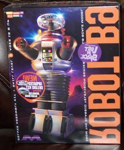 Moebius 949  Irwin Allen Lost In Space TV ROBOT B9 W/ Glass