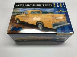 Moebius Model King 1/25 1965 Ford F100 Service Truck NEW