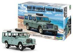 Revell Monogram 4498 Land Rover Series III 109 LWB plastic m