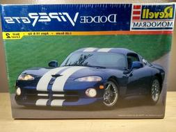 Revell Monogram Dodge Viper GTS  Model car kit 1/25 scale NE