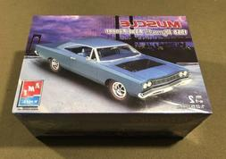 AMT MUSCLE 1968 PLYMOUTH ROAD RUNNER 1:25 SKILL 2 J&E HOBBY